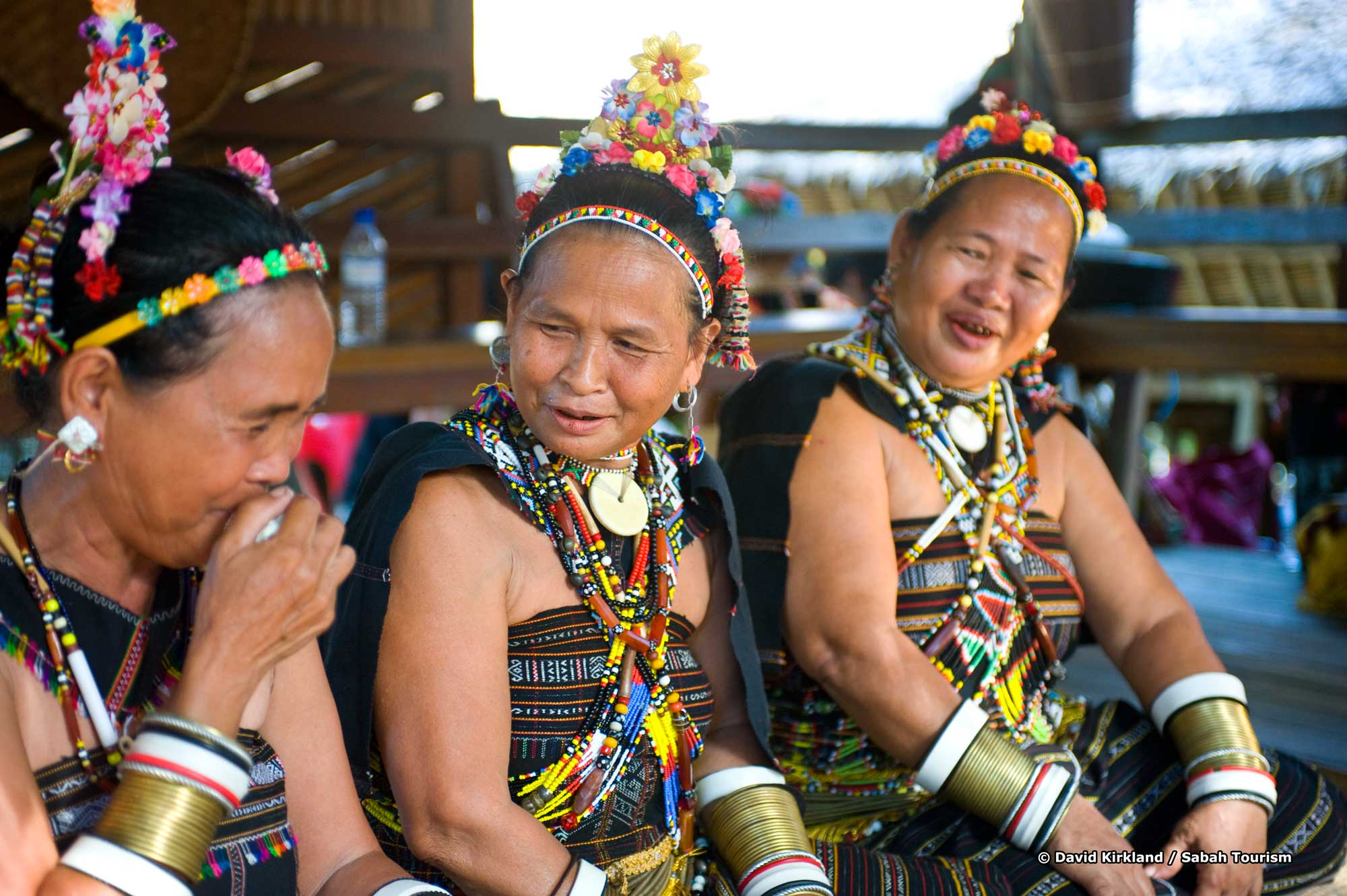 thai people from the northear how to get dress